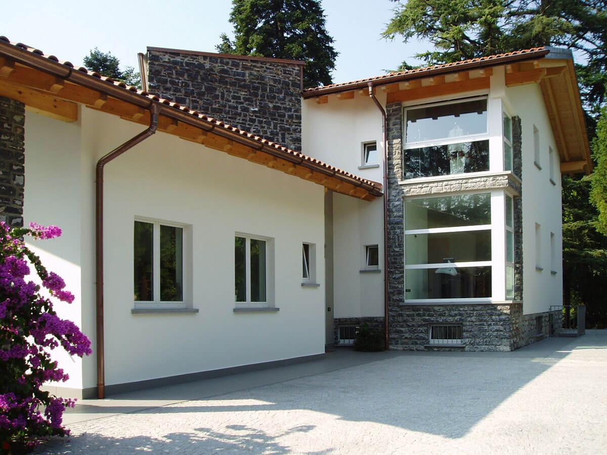 Casa moderna for Casa classica moderna